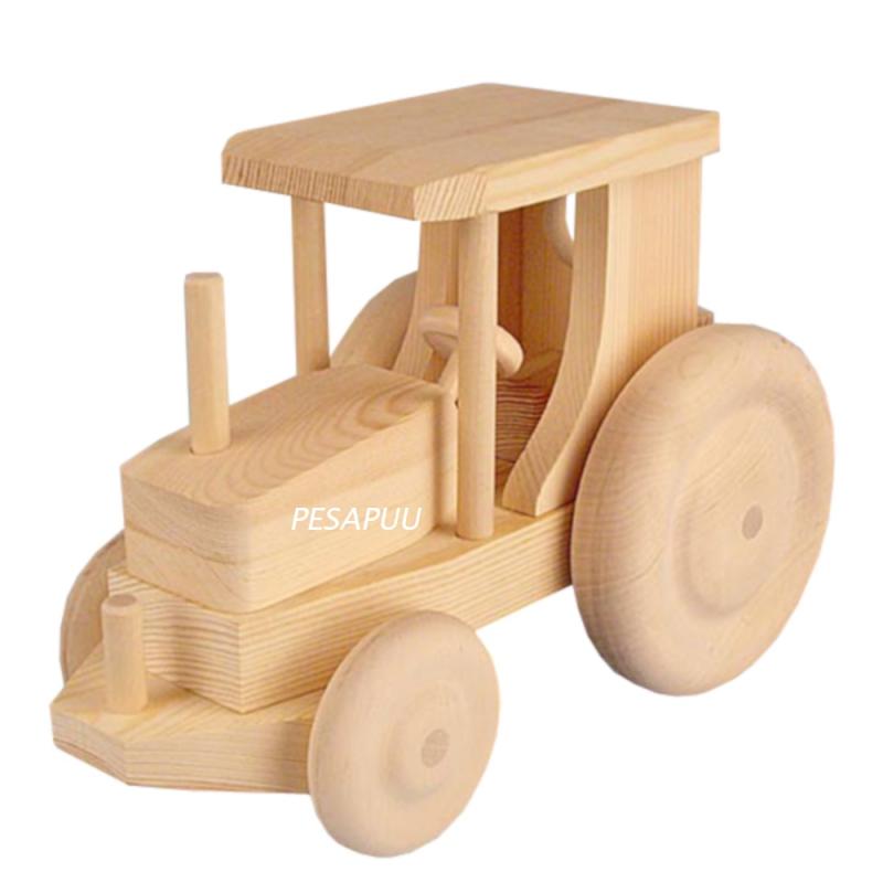 Puidust traktor, suur