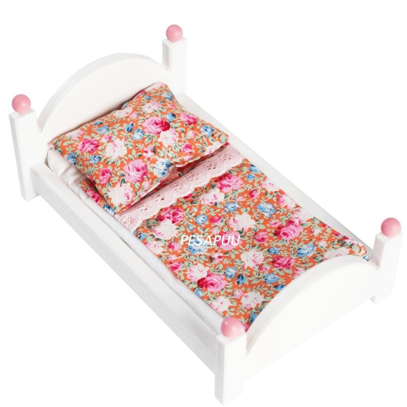 Nukuvoodi Roosi väike tekstiilid
