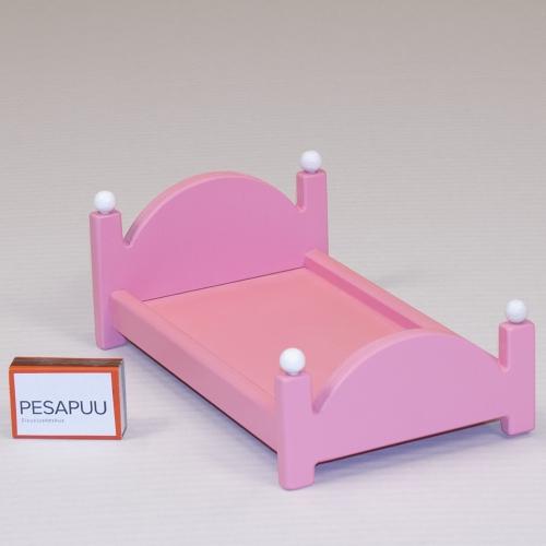 Nukuvoodi vaike Roosi roosa PESAPUU.jpg