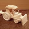 Puidust_traktor-buldooser_PESAPUU.jpg